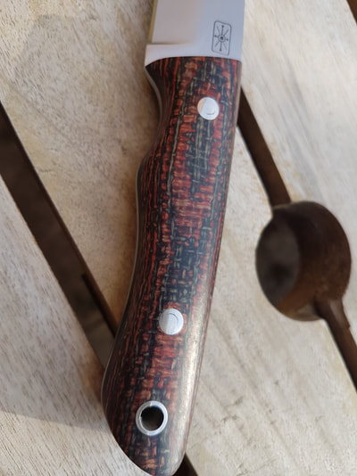 Ghillie Long O-1 Steel Black and red hessian Micarta